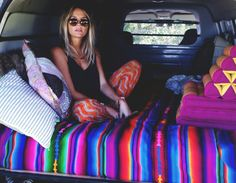 glahdi:  ☆ indie/boho blog ☆ would love to do this with a day bed instead of a car