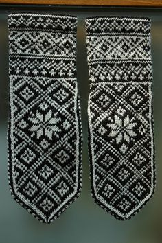 Ravelry: siven's Stasvotter - Mittens for my grandfather