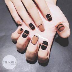Stunning Minimalist Nail Art Designs Nail art is a contemporary mode of decorating nails. Stylish Nails, Trendy Nails, Cute Nails, Gel Nail Art, Nail Art Diy, Nail Polish, Diy Art, Colorful Nail Designs, Nail Art Designs