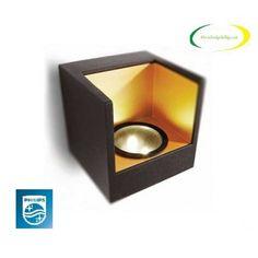 Đèn treo tường Philips 69086 Đèn treo tường Philips 69086Đèn treo tường Philips 69086 có thiết kế đơn giản của khổi vuông nhôm màu đen mang lại trải nghiệm ánh sáng ấm áp mà mạnh mẽ phù hợp nội thất hiện đại của ngôi nhà bạn. Đây là một trong những sản phẩm đèn treo tường được nhiều khách hàng lựa chọn được sản xuất bởi hãn...