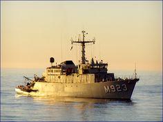 Belgian Navy M923 Narcis - Minesweeper.