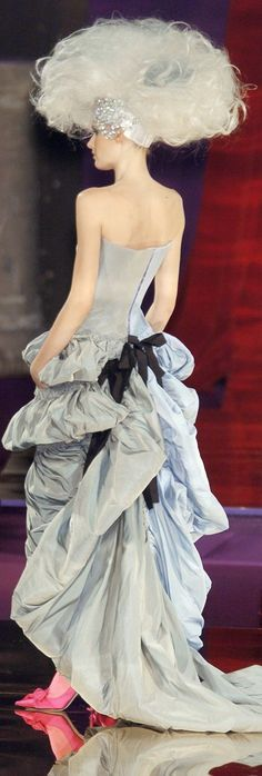 Christian Lacroix - Haute Couture fall 2004 - 2005                                                                                                                                                      More
