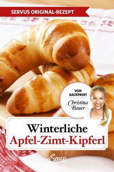 Winterliche Apfel-Zimt-Kipferl von Christina BauerSaftig & mürb: Herrliche Apfel-Zimt-Kipferl von Christina Bauer Nichts verbreitet mehr Zauber in der Küche, als der Geruch nach Apfel und Zimt. Die Kipferl von Backprofi Christina Bauer sind außen mürb, innen saftig und duften einfach herrlich. #apfelzimtkipferl #rezepte #rezept #rezeptideen #ichliebeessen #österreich #österreichischeküche #kochen #regionaleküche #regionalkochen #servus #servusmagazin #servusinstadtundland Hot Dog Buns, Hot Dogs, Bread, Food, Vegetarian Recipes, Cooking, Cinnamon, Good Food, Brot