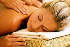 Drenagem e lipomodeladora Corpo & Designer – Costa Azul: 4, 8 ou 12 visitas com massagem ou drenagem e lipomodeladora, a partir de R$ 59,90