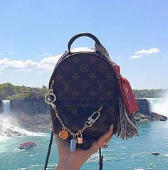 New Collection For Louis Vuitton Handbags LV Bags to Have. New Collection For Louis Vuitton Handbags LV Bags to Have. Gucci Handbags, Luxury Handbags, Louis Vuitton Handbags, Fashion Handbags, Tote Handbags, Purses And Handbags, Fashion Bags, Louis Vuitton Monogram, Womens Fashion