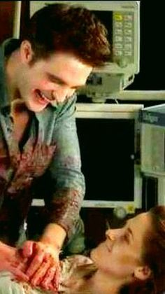 Robert Pattinson and Kristen Stewart filming the birth scene in BD1   #Twilight