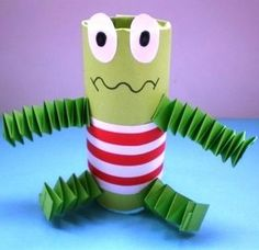 Ideas origami tutorial frog crafts for 2019 Kids Crafts, Frog Crafts, Animal Crafts For Kids, Crafts To Do, Projects For Kids, Diy For Kids, Arts And Crafts, Alien Crafts, Toilet Roll Craft