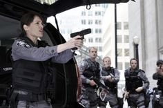 Amy Jo Johnson, Flashpoint - When Sam shows up and he makes them think he has a gun