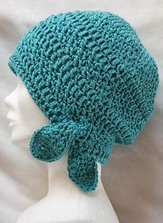 NOUETTE - free crochet hat pattern in English and French by Louti 2012.