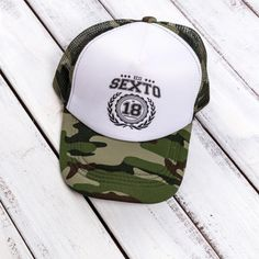 Gorra de egresados sexto Baseball Cap Outfit, Cap Girl, Trucker Hats, Rip Curl, Hurley, Hats For Men, Caps Hats, Cool Outfits, 21st