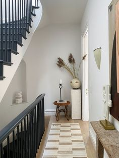 The Best Paint Color in Every Room of Athena Calderone's Brooklyn Home Home Interior Design, Exterior Design, Interior And Exterior, Brownstone Interiors, Townhouse, Brooklyn Brownstone, Best Paint Colors, Home Reno, Entryway Decor