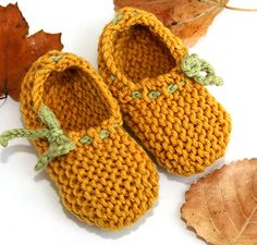 Baby Slippers - Free Loom Knitting Pattern