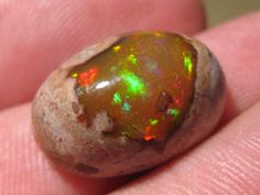 OpalWeb - Magical Mexican Opal - 13.85Cts. Mexican Opal