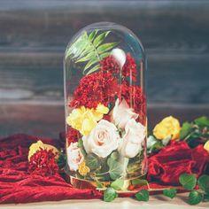 Elegancki klosz na złotej podstawie pozwoli Wam stworzyć najpiękniejsze dekoracje weselnej przestrzeni!!! #dekoracjastoluwesele #wesele #slub # Flora, Table Decorations, Retro, Vintage, Home Decor, Neo Traditional, Rustic, Vintage Comics, Interior Design