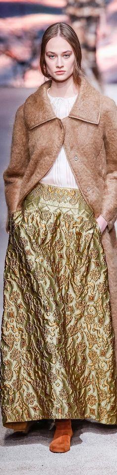 Alberta Ferretti FW 2015 Glamour, Fall Winter 2015, Alberta Ferretti, Elegant, Dresses, Fashion, Color, Classy, Vestidos