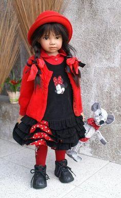 Уже не раз на бейбиках были топики о куклах швейцарской художницы Анжелы Суттер (Angela Sutter). Этот топик о виниловых куклах