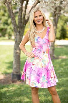 This gorgeous floral dress is such a must-have for spring!