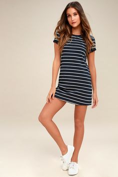 The Lulus Cafe Society Navy Blue Striped Shirt Dress is cool enough for the cafe crowd, and comfy enough for cuddling on the couch! Stretch knit shapes this casual t-shirt dress with a shift silhouette. Rounded neckline and short sleeves. Shirtdress Outfit, Cute Floral Dresses, Cute Casual Dresses, Women's Dresses, Dresses Online, Trendy Dresses, Party Dresses, Blue Dresses, Short Dresses