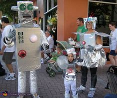 Robot Family Costume - 2013 Halloween Costume Contest via Robot Halloween Costume, Robot Costumes, Crazy Costumes, Mardi Gras Costumes, Homemade Halloween Costumes, Family Halloween Costumes, Halloween Ideas, Family Theme, Costume Works
