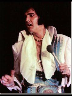 Elvis Presley October 6 1974 University Of Dayton Elvis Presley Concerts, Elvis In Concert, Memphis Mafia, University Of Dayton, Dayton Ohio, Elvis Presley Images, Graceland, Sweet Memories, Childhood Memories
