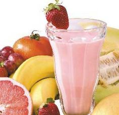 Simple fruit smoothie made using a hand blender How To Store Strawberries, Strawberry Topping, Hand Blender, Ice Cubes, Orange Juice, Fruit Smoothies, Easy Cooking, Summer Recipes, Kiwi
