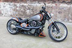 #HarleyDavidsonSoftail Harley Davidson Museum, Harley Davidson Street, Harley Davidson Motorcycles, American Motorcycles, Old Motorcycles, Night Rod Special, Ape Hangers, Motorcycle Manufacturers, Harley Bikes
