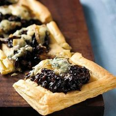 Taste Mag | Caramelised onion and blue cheese tart @ https://taste.co.za/recipes/caramelised-onion-and-blue-cheese-tart/