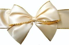 How to Make Bows for Christmas Trees With Wired Ribbon thumbnail