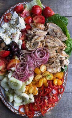 Las mejores propuestas que puedas encontrar en la red. Grandes chefs y gastrónomos. Ideas e imágenes para que desarrolles nuevos platos. Chefs, Cobb Salad, Catering, Food, Dishes, Proposals, Healthy, Catering Business, Gastronomia