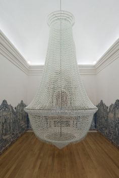 A Noiva [The Bride], 2001-2005 Look closely tis a chandelier made of 25,000 tampons. A work thus titled in order to subject the imposition of a hypocritical and repressed feminine sexuality to the corrosive action of irony and ambiguity.