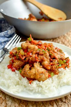 Low Syn Chinese Salt and Pepper Chicken - create this popular Chinese dish in your own home, perfectly Slimming World friendly chicken dishes Slimming World Fakeaway, Slimming World Dinners, Slimming World Recipes Syn Free, Slimming World Diet, Slimming Eats, Slimming World Chicken Dishes, Fake Away Slimming World, Actifry Recipes Slimming World, Popular Chinese Dishes
