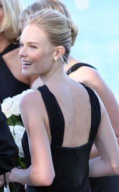 El peinado de Kate Bosworth como invitada en la boda de una amiga, un moño de bailarina, ¡infalible!