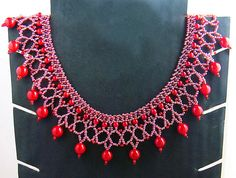 Free pattern for necklace Red Berry