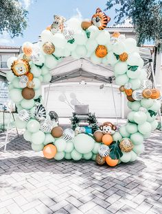 Baby Shower Decorations For Boys, Boy Baby Shower Themes, Baby Shower Signs, Baby Shower Fall, Baby Shower Balloons, Baby Shower Gender Reveal, Baby Shower Parties, Baby Boy Shower, Safari Baby Showers