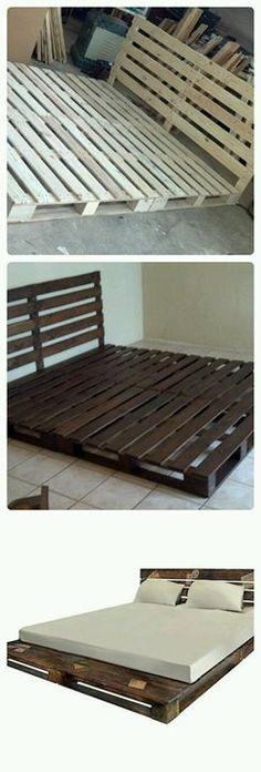 Veja só como é simples fazer um cama de palete rústica e prática! E só precisa de 6 paletes de madeira! Pallet Bedframe, Pallet Beds, Pallet Furniture, Pallet Patio, Wood Headboard, Bed Frame Pallet, Kids Pallet Bed, Furniture Ideas, Lawn Furniture