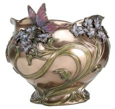 Gorgeous Art Nouveau vase..swirling design of gold and peach