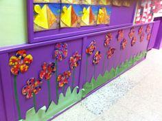 Primavera: zócalo con flores, niños de 4 años.