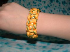 Para Cord Survivors Bracelet for Survivor Theme, Camping Crafts, Paracord Bracelets, Unique Jewelry, Handmade Gifts, Summer, Projects, Room, Kids