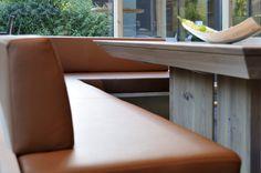 Bank BERTA und Stühle LILLY von WITTMANN #design #austria #furniture #inneneinrichtung #woodisgood Furniture, Design, Home Decor, Objects, Dining Rooms, Interior, Table, Decoration Home, Room Decor