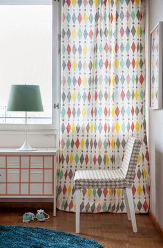 ikea slipcovers via Bold Curtains, Geometric Curtains, Colorful Curtains, Colorful Decor, Patterned Curtains, Ikea Living Room, Living Room Colors, Ikea Cabinets, Curtain Patterns