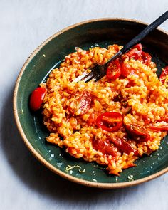 Tomato Risotto, Parmesan Risotto, Tomato Rice, Tomato Vegetable, Veggie Dinners, Veggie Recipes, Yummy Recipes, Vegetarian Recipes, Dinner Recipes
