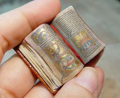 "EV Miniatures: Miniature Open Books - STUNNING gold detailed ""Illuminated"" medieval book...!"