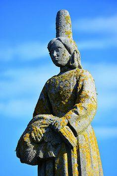 Pors-Poulhan , Statue de la Bigoudenne, Bretagne