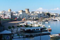 Ischia, litiga con la mamma e scappa di casa: rintracciata dalla polizia in Piazza Maltese a Forio | Report Campania