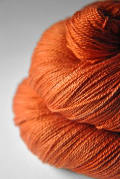 Red-hot metal - Silk/Merino Yarn Lace weight. €23,50, via Etsy.