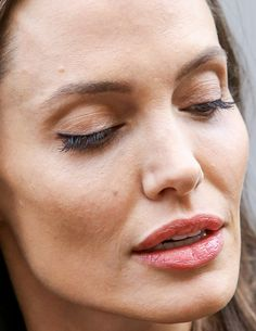 angelina jolie - more close-ups of angelina can be found here angelina jolie red carpet makeup celeb celebrity celebritycloseup