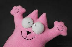 Розовый кот игрушка из флиса. #Handmade #Toy #Hobby #Cat #Кот #КотСаймона #Игрушка