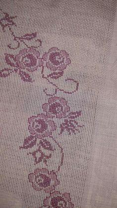 Cross Stitch Designs, Cross Stitch Patterns, Hardanger Embroidery, Prayer Rug, Diy And Crafts, Rugs, Embroidered Towels, Cross Stitch Embroidery, Vintage Cross Stitches