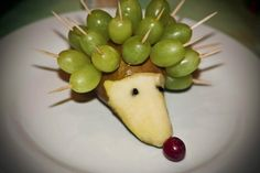 Ha! :)  Good morning #grapes! kidorganic #fruitsandvegetables www.OrganicLearningAdventure.com