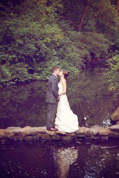 Keegan and Tyler's 35 Guest $6,500. Portland Botanical Gardens Wedding. See their gorgeous photos by Anna Caitlan on www.intimateweddings.com/blog #smallweddings #budgetweddings